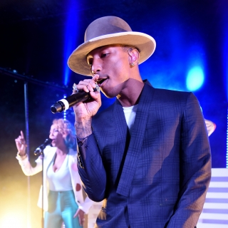 Pharrell Williams performs at the serpentine summer party 2013
